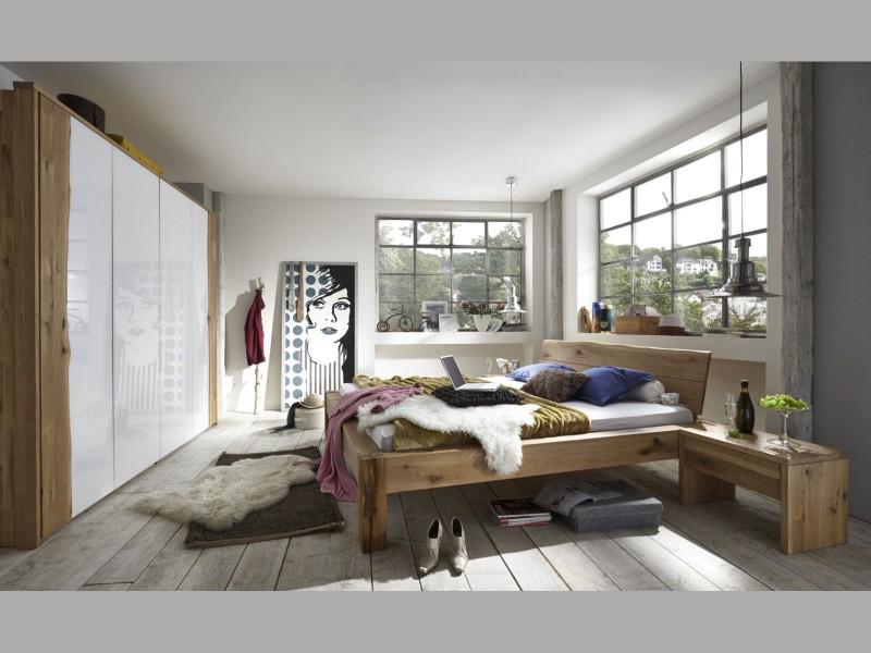 Moderne Schlafzimmer Möbel aus Massivholz. Betten ...