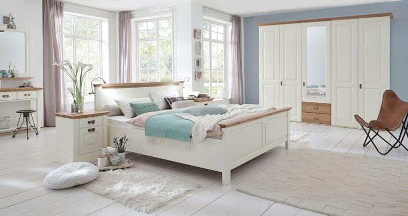 Schlafzimmer Mobel Im Landhausstil Aus Massivholz Betten